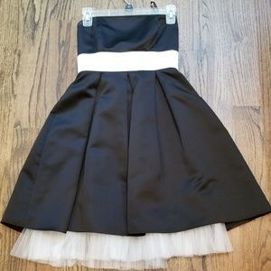 Alyn Paige Black and White Dress Sz 3/4